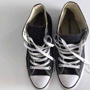 Gently Used Black Converse Size Women's 8